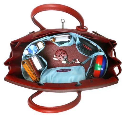 Как освободить место в дамской сумочке?